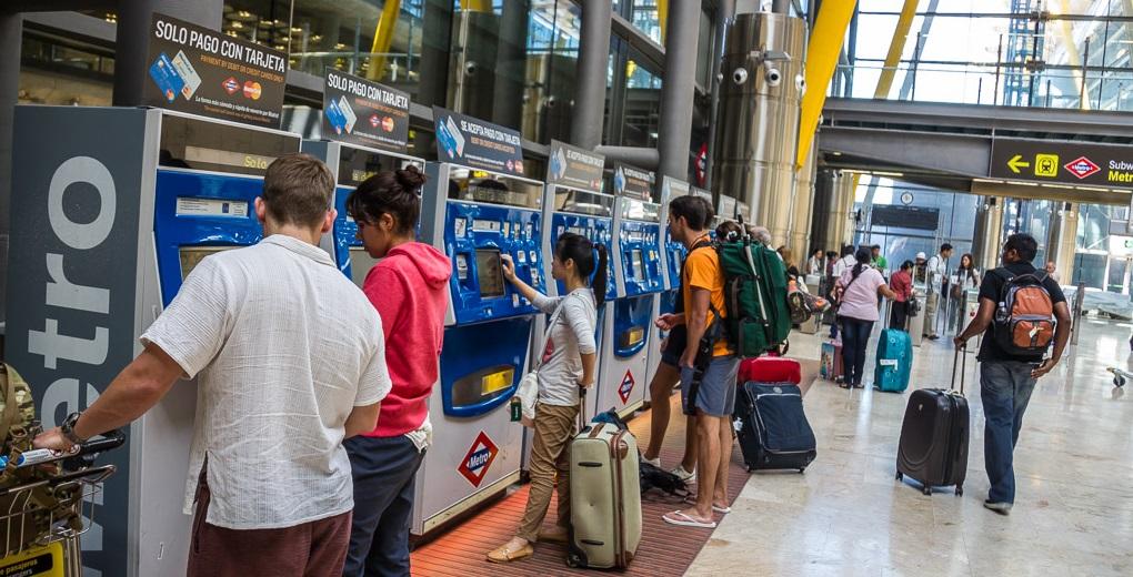 Automate de bilete de metro