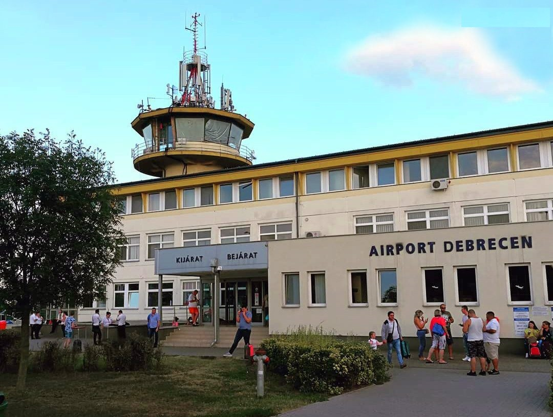 Cum ajung la Aeroportul Internațional Debrecen