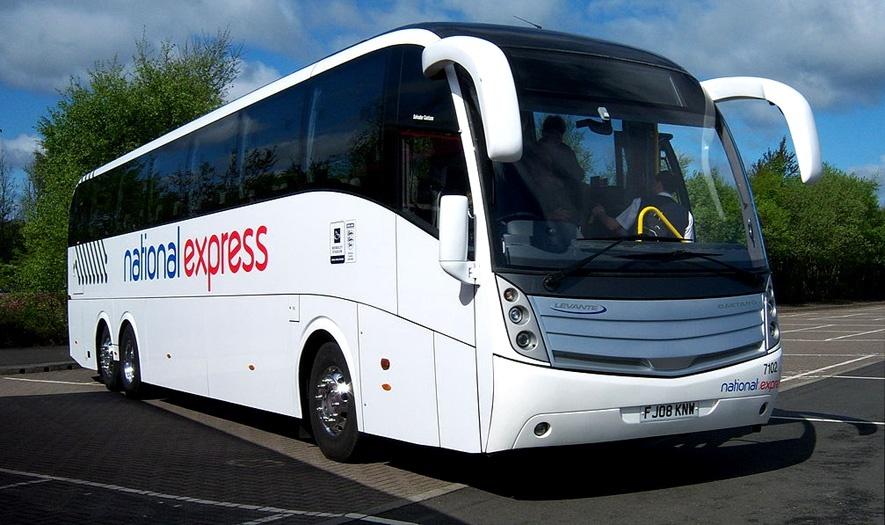 Autobuz de la aeroport la Londra
