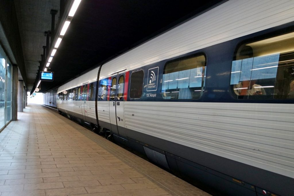 Trenul spre Aeroportul Copenhaga